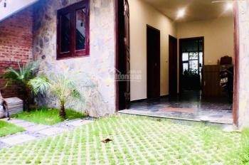Cho thuê biệt thự sân vườn ngõ 310 Nghi Tàm, diện tích 150m2, giá 27 triệu. LH 0969866063