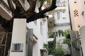 Cho thuê nhà sân vườn ngõ 515 Hoàng Hoa Thám. DT 100m2 xây 3,5 tầng đẹp cực thoáng