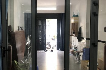 Nhà 1 trệt 2 lầu, mặt tiền đường nhựa 185, Dương Đình Hội