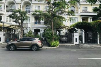 Bán gấp biệt thự Mỹ Phú 3 - Phú Mỹ Hưng nhà đẹp đối diên trường Canada giá chỉ 21.5 tỷ