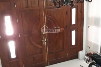 Cho thuê nhà ngõ 133 phố Hoa Bằng, 45m2, 5 tầng, nhà mới, đủ đồ. Liên hệ 0934522486