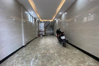 Bán nhà Nguyễn Xiển, Quận Thanh Xuân. Ô tô vào nhà, ngõ rộng 6m, lô góc, kinh doanh thuận tiện