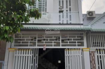 Bán nhà khu vực chợ Bà Phường Thành Phước DT: ngang 4,5 m dài 18m giá 2tỷ3 LH:0932753778 Ms Hường