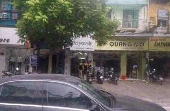 Chính chủ cho thuê nhà mặt phố Hàng Bài, Hoàn Kiếm. Nhà 3 tầng, gần ngã tư kinh doanh sầm uất