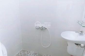 Cho thuê căn hộ mini DT 35m2 có ban công + cửa sổ + máy lạnh free. Giá 4tr/tháng