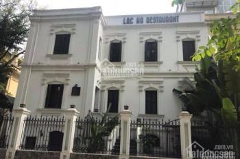 Cho thuê nhà mặt phố Đinh Tiên Hoàng 220m2, mặt tiền 15m, riêng biệt. LH: 0946850055