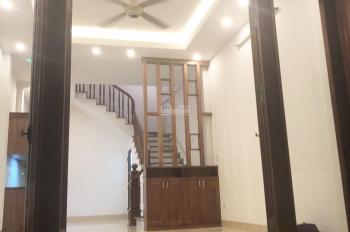 Chính chủ bán nhà 38m2 x 5 tầng mới xây tại ngõ 67 Nguyễn Văn Cừ, 3,25 tỷ