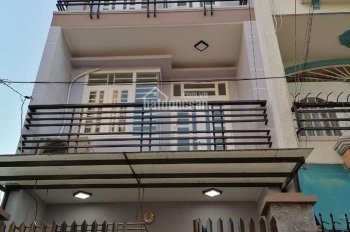 Bán căn nhà Mặt tiền đường TL.10,nằm ngay trung tâm thị trấn,DT: 85m2,SHR chính chủ.LH:0906.347.827