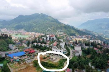 Lô đất 2600m2, trung tâm thị trấn Sapa, cần bán gấp giá 36 tỷ bao mọi loại thuế phí. LH: 0912233023