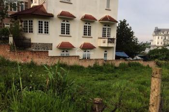 Tôi cần bán lô đất biệt thự mặt tiền đường Trịnh Hoài Đức, P11, TP Đà Lạt thích hợp làm Homestay