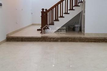 Cho thuê nhà liền kề mới 5 tầng, đủ điều hòa, nóng lạnh. Diện tích 80m2, mặt tiền 5m, nhà 4 tầng