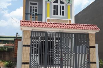 Cần bán căn nhà 1 lầu 1 trệt sổ riêng ngay chợ Đông Đô, cách vòng xoay An Phú 1,5Km