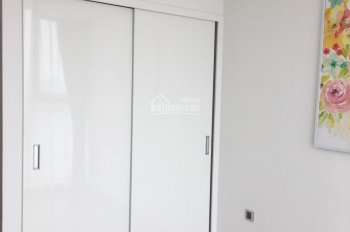 Cho thuê căn hộ tầng 22 tòa M1 Vinhomes Metropolis: 83m2 - 2N sáng, đầy đủ đồ view hồ (ảnh thực tế)