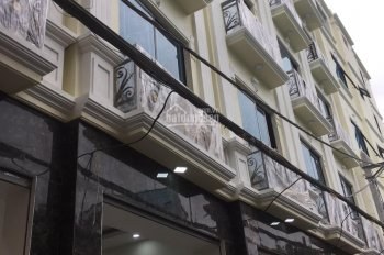 Nhà 3.2 tỷ 5tầng (33m2) đường thông 5m ô tô đỗ cửa sát mặt phố Ngô Quyền gần KĐT Văn Khê 0945134705