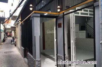 Nhà hẻm 40 Khánh Hội, sát mặt tiền, ngang 5m vuông vức