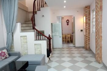 Cho thuê căn hộ 2 phòng ngủ Ngọc Thụy cạnh cầu Long Biên 85m2 giá 5.5 triệu:Liên hệ:0829911592
