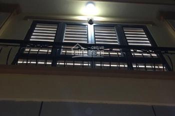 Nhà vip phố Nguyễn Đình Hoàn 6 tầng thang máy, Kinh doanh, ô tô đỗ cửa. DT 40m2 x MT 4m, giá 6,6 tỷ