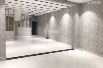 Nhà mặt tiền Hoàng Hoa Thám, vị trí đẹp, 2 chiều giá chỉ 32 triệu/tháng