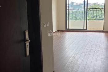Chính chủ cho thuê căn 92m2 ban công Đông Nam full nội thất c2 Hà Nội HomeLand giá 8,5/ tháng