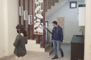Bán nhà đẹp phố Vũ Tông Phan, ô tô tránh, 36m2 * 5 tầng, giá 3,3 tỷ