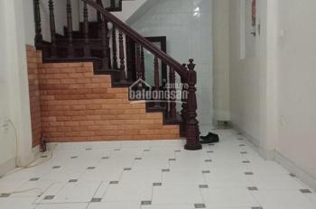 Cho thuê nhà riêng chính chủ riêng biệt DT 30m2*5 tầng, tại Phố Thái Hà, cách phố 20m, giá 12 triệu