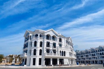 Cần cho thuê gấp nhà phố thương mại DT 94m2, 4T, MT 7m miễn phí tiền thuê 2 năm đầu tiên, Phú Quốc