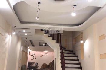 Bán nhà phố Chùa Láng, Đống Đa. Diện tích 68m2, 5 tầng, mặt tiền 5m