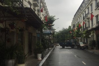 Bán gấp shophosue mặt đường La Casta Văn Phú Hà Đông cắt lỗ 500 triệu lấy vốn kinh doanh 0901778468