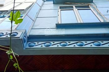 Nhà đẹp phố Trung Kính, 20m ra đường ô tô tránh, 39m2 x  4 tầng. LH 0868131386.