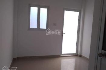 Bán nhà hiếm TT Quận 10 gần mặt tiền Lê Hồng Phong, giá 2.7 tỷ