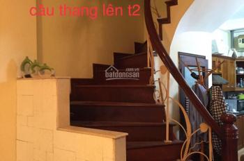 Cho thuê nhà trong ngõ 106 Hoàng Quốc Việt, 4 tầng 4PN full đồ giá 18 triệu