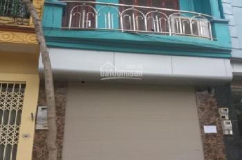Cho thuê nhà ngõ 2 phố Phạm Tuấn Tài. Diện tích 58m2 x 5 tầng, mỗi tầng 2 phòng 1 phụ, ngõ rộng