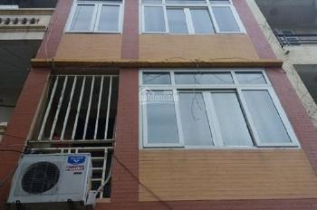 Nhà chính chủ, ngõ 31 phố Trần Quốc Hoàn; Dt 55m2 x 5 tầng khu phân lô, đường rộng xe ô tô đi lại