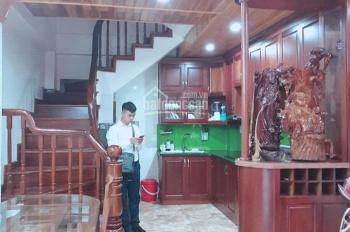 Cho thuê nhà riêng, full nội thất, ô tô đỗ cửa DT 30m2* 5 tầng tại Phố Nguyễn Ngọc Nại, 11.5 triệu/
