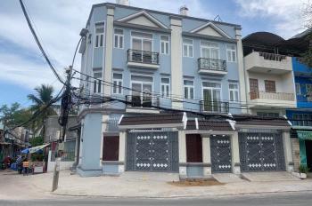 Cho thuê căn góc 2 mặt tiền đẹp gần chợ Nguyễn Xí, thích hợp làm văn phòng, spa. 20tr/th 0941878448