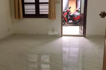 Phòng cho thuê ngã 3 Nguyễn Kiệm - Thích Quảng Đức - LH: 0961.960.264