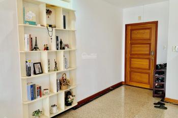 Cho thuê căn hộ Phú Hoàng Anh 3 phòng ngủ