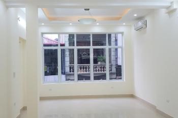 Cho thuê nhà ngõ 125 Trung Kính 55m2 x 4T ngõ rộng ô tô đỗ cửa. Giá 17 tr/tháng