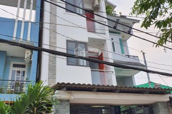 Bán nhà đường số 10, chợ Linh Trung, Q. Thủ Đức diện tích 4m x 15,5m, 4 phòng ngủ