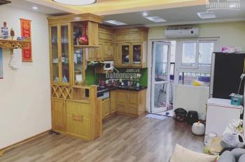 Chính chủ bán căn hộ 3 ngủ, diện tích 76.6m2 tòa HH4 Linh Đàm . gần full nội thất căn góc tầng 28