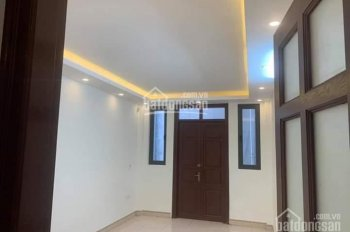 Bán nhà phố Giang Văn Minh, 50m2 x 5 tầng, mặt tiền rộng 4m, giá 10,8 tỷ