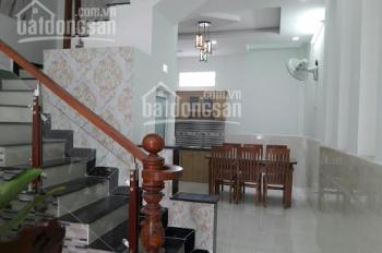 Bán nhà quận Ba Đình, DT 50m2, 5 tầng, mặt tiền 12m, giá 6.8 tỷ