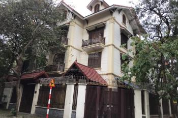 Cho thuê biệt thự Nguyễn Xiển diện tích 170m2, nhà 5 tầng, lô góc, thông sàn, thang máy, điều hoà