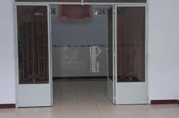 Nhà cấp 4 mặt tiền buôn bán DT 65m2 có gác đối diện chợ Linh Xuân sổ hồng riêng 3,1 tỷ