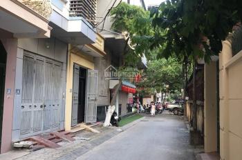 Cho thuê nhà phân lô Hoàng Quốc Việt, Cầu Giấy. DT 50m2, 4 tầng, giá 10 tr/th, LH 0973644755