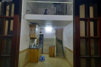 Cho thuê nhà 25m2 x 3,5 tầng, mới sơn sửa, ngõ ô tô đỗ cửa tại Tân Mai. Giá thuê: 4.5 triệu/tháng