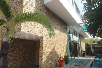 Cho thuê biệt thự đơn lập phường Thảo Điền, có hồ bơi