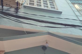 Cần cho thuê nhà nguyên căn mặt ngõ ở Nguyễn Văn Cừ, 6 triệu/ tháng