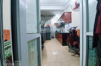 Bán khách sạn Hoàn Kiếm, vỉa hè to DT 68m2 giá 24 tỷ