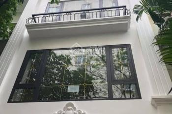 Bán nhà gấp nhà mặt phố Hoàng Văn Thái, quận Thanh Xuân, 58m2* 5 tầng, mặt tiền 4.2m